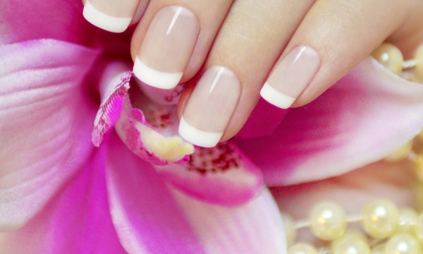 nails-on-flower-1427731115-600x360