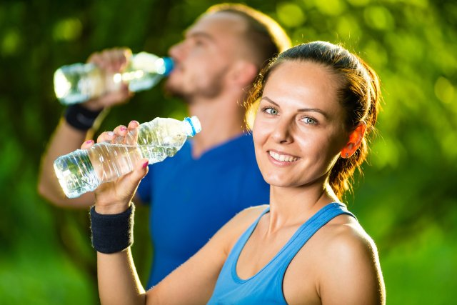 Veja o que acontece quando você não bebe água suficiente