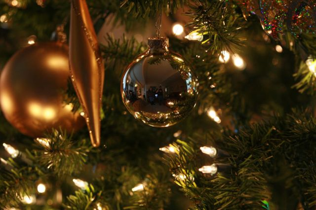 Como decorar uma Árvore de Natal5