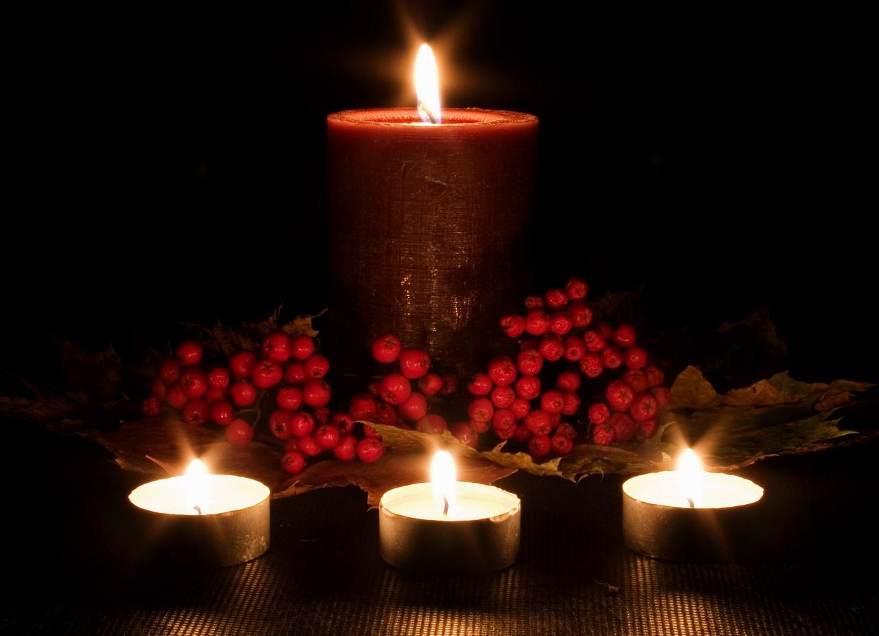 Flickering-Firelight-candles-22611292-1280-1024