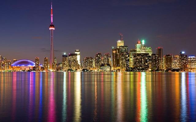 Toronto_Tour_Nuit
