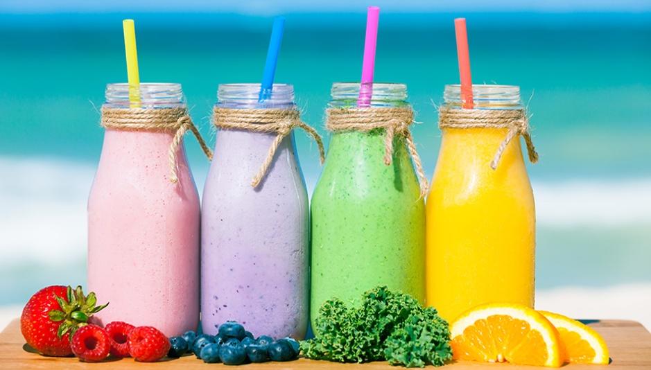 6 receitas de smoothies refrescantes para o verão