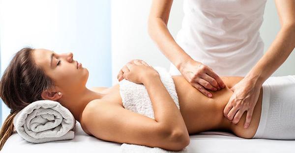Saiba as diferenças entre as massagens redutora, modeladora e drenagem linfática