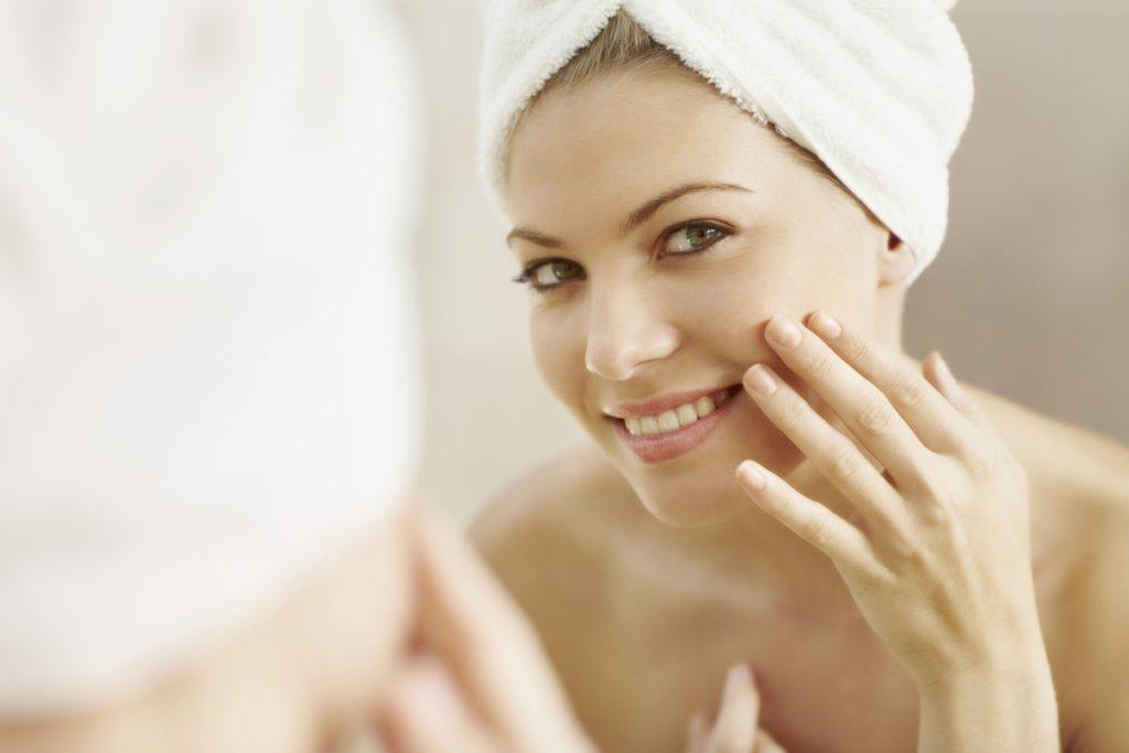 Descubra quais são os melhores ácidos para clarear a pele