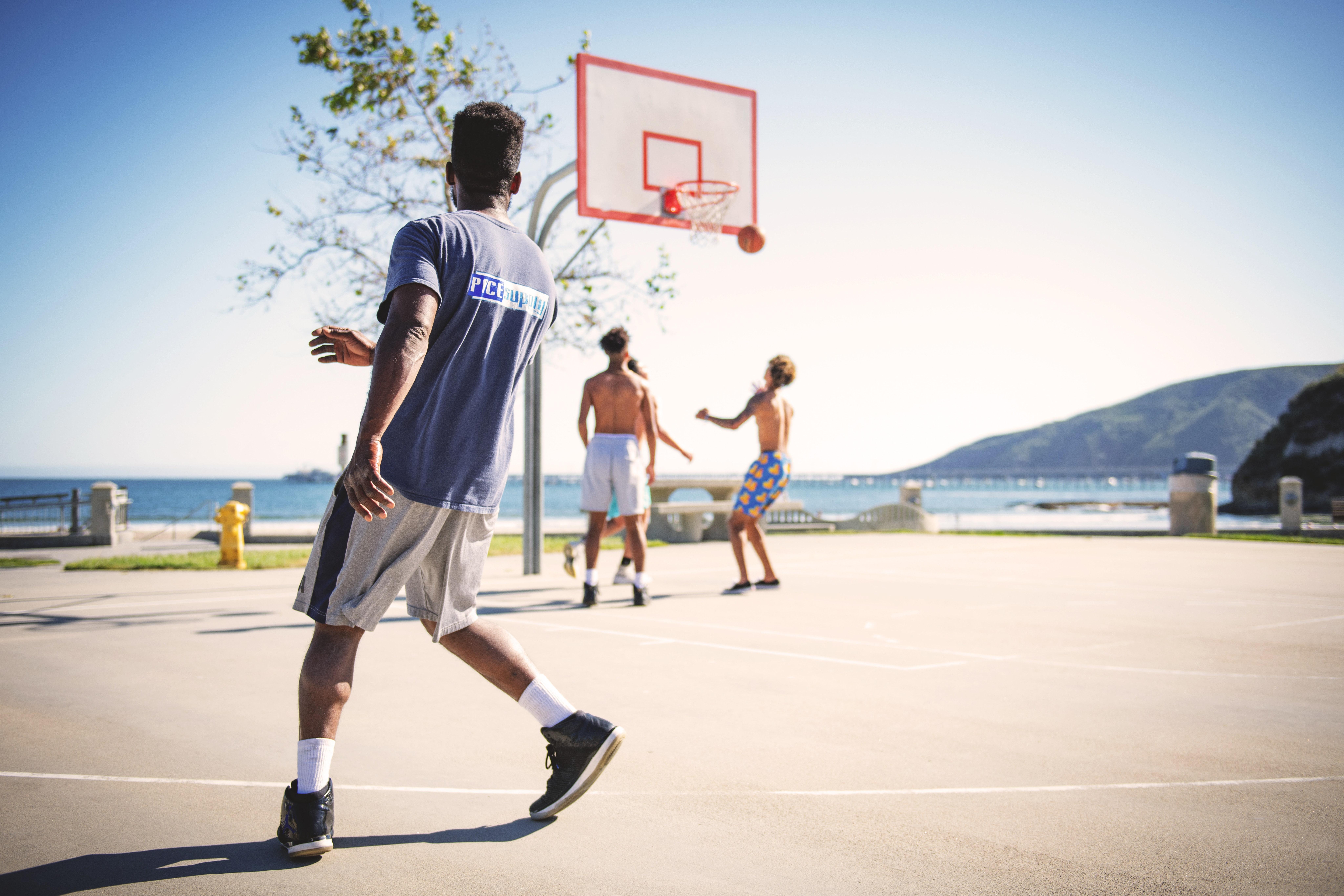 ao-ar-livre-atividade-fisica-atletas-Os benefícios dos esportes para o bem-estar e saúde - @pitacoseachados