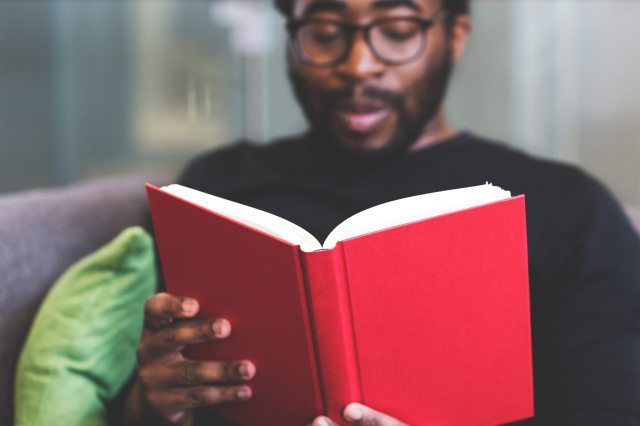 Ler antes de dormir conheça seus benefícios - pitacos e achados 2.jpg
