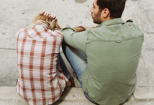 4 razões pelas quais algumas pessoas têm medo de se relacionar - pitacoseachados.jpg