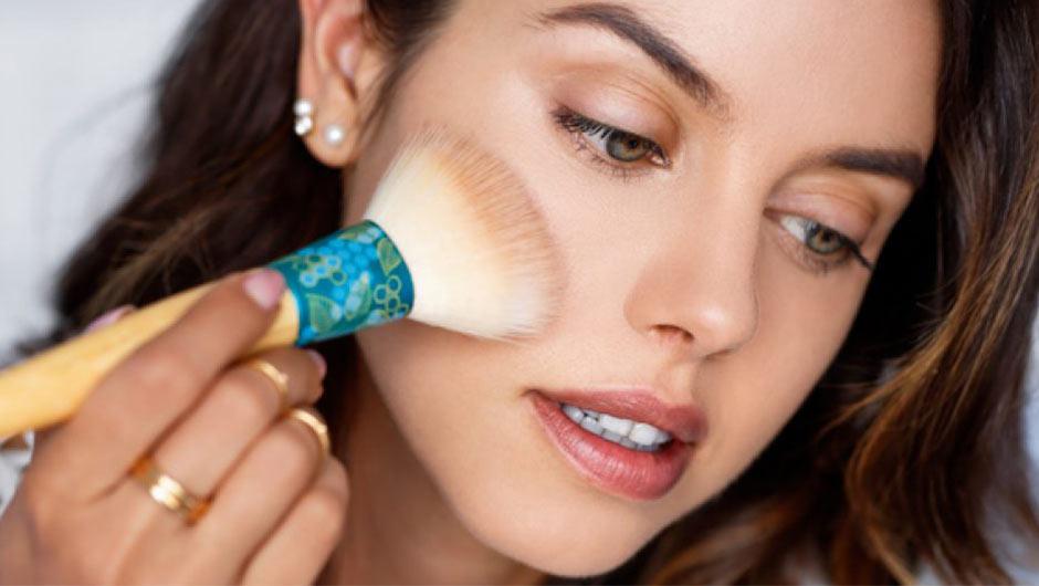 Contorno: saiba mais sobre a técnica de maquiagem do momento